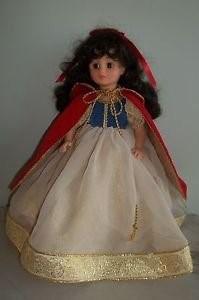 Mme Alexander Snow White 1557