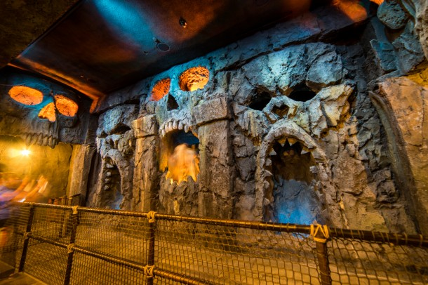 The centerpiece of this room is the animatronic in the center which was moving while I shot this off of a tripod.