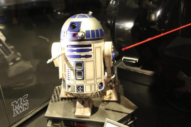 R2-D2 @ Launch Bay