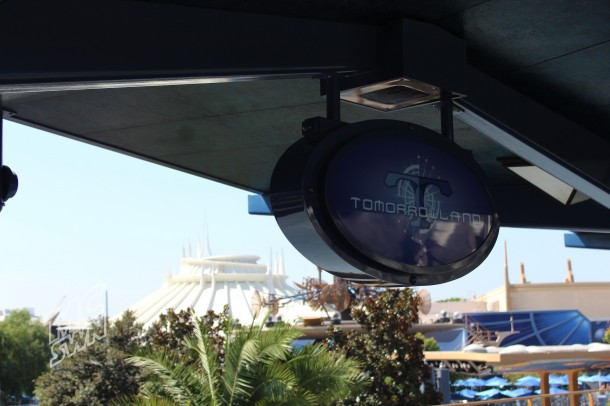 Does Tomorrowland reclaim Space Mountain in November? Or does the Season of the Force return.?