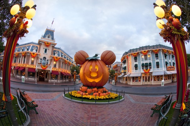 HALLOWEEN TIME AT THE DISNEYLAND RESORT (ANAHEIM, Calif.) – A Mickey Mouse-inspired pumpkin celebrates the spirit of the Halloween season at Disneyland Park. Halloween Time at the Disneyland Resort returns in 2016 from Sept. 9 through Oct. 31 with spooky seasonal décor, themed food and beverage offerings and attractions that get a seasonal overlay for Halloween.  (Paul Hiffmeyer/Disneyland)