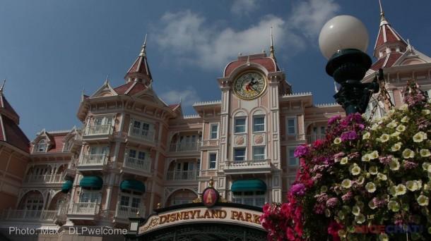 DisneylandHotel1