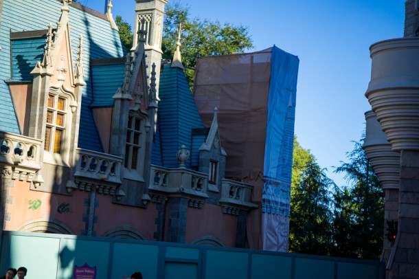 Work being done on the Sir Mickey's building behind the castle.