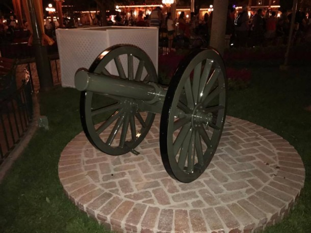 Town-Square-Cannons