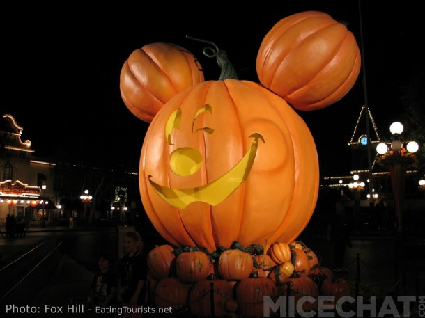 Pumpkin Mickey watches over Main Street USA