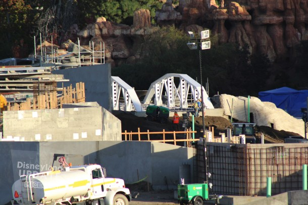 Over the Frontierland entrance to SWL behind Big Thunder Mountain, a new bridge popped up recently.