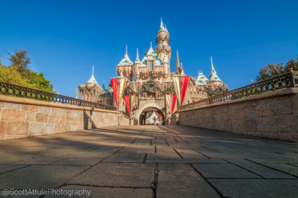#Disneyland #DLR #DCA #DisneyCaliforniaAdventure #DisneySide #DisneyParks #DisneylandResort #WaltDisney #DCP #CPAlumni #worldofdisneycolors #mouse71 #mytpf #DisneyFan #DisneyGram #DisneyGrammers #DisneyInsta #DisneyLife #DisneyPhoto #DisneyPhotography #FeatureMyDisney #IgDisney #InstaDisney #SharingDisney #HappiestPlaceOnEarth#DisneylandChristmas #ChristmasTimeAtDisneyland #MainStreetUSA #DisneylandHolidays